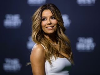 ZURICH, SWITZERLAND - JANUARY 09: Presenter Eva Longoria arrives for The Best FIFA Football Awards 2016 on January 9, 2017 in Zurich, Switzerland. (Photo by Philipp Schmidli/Getty Images)