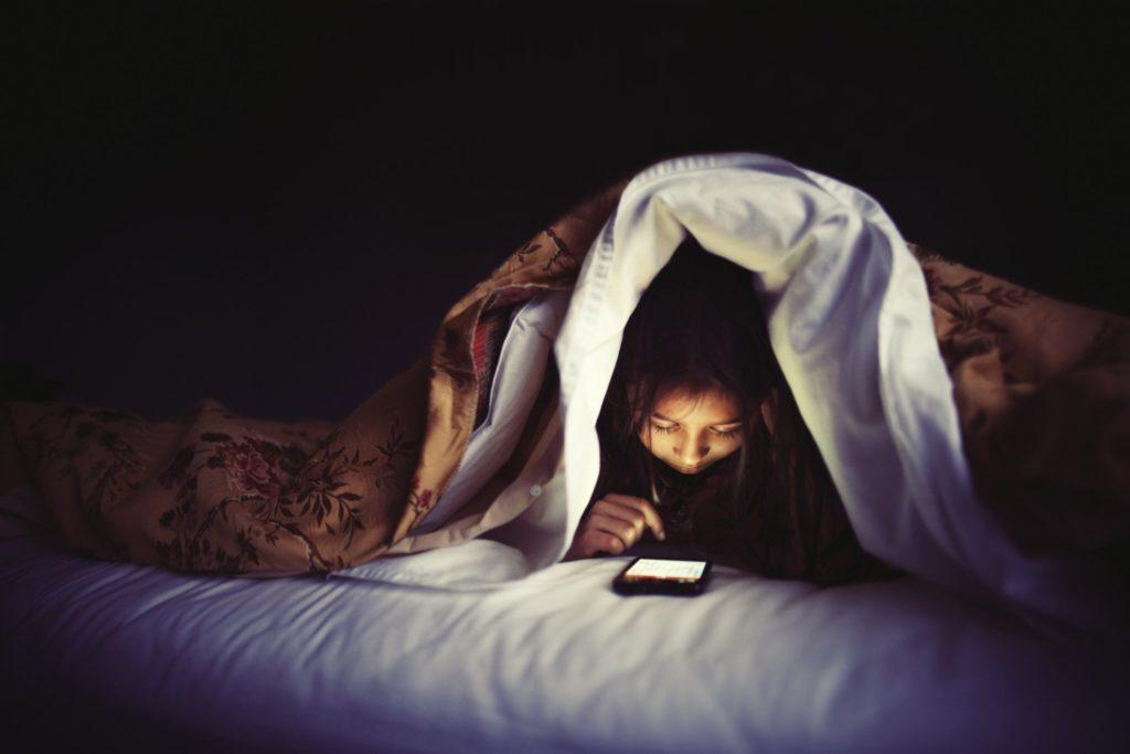 Phone_night_getty