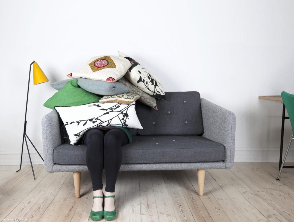 жена стрес хол декор диван