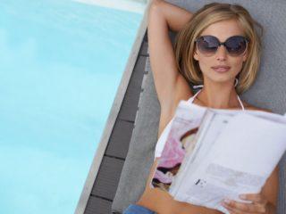 жена, мацка, списание, басейн