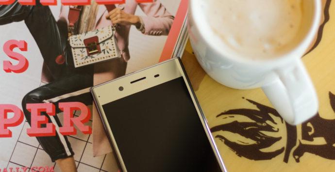 SONY-Experia-in-Starbucks-2
