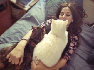 жена с котки