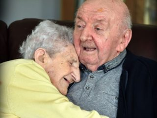 98-year-old-mother-care-home-80-year-old-son-ada-tom-keating-liverpool-4-59f6e081b0346__700