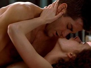 Anne Hathaway - Love and Other Drugs - 5_2-500