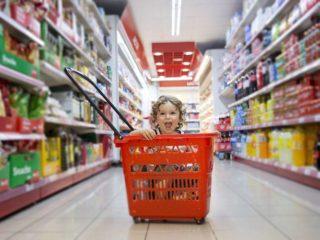 niño-supermercado-carrito