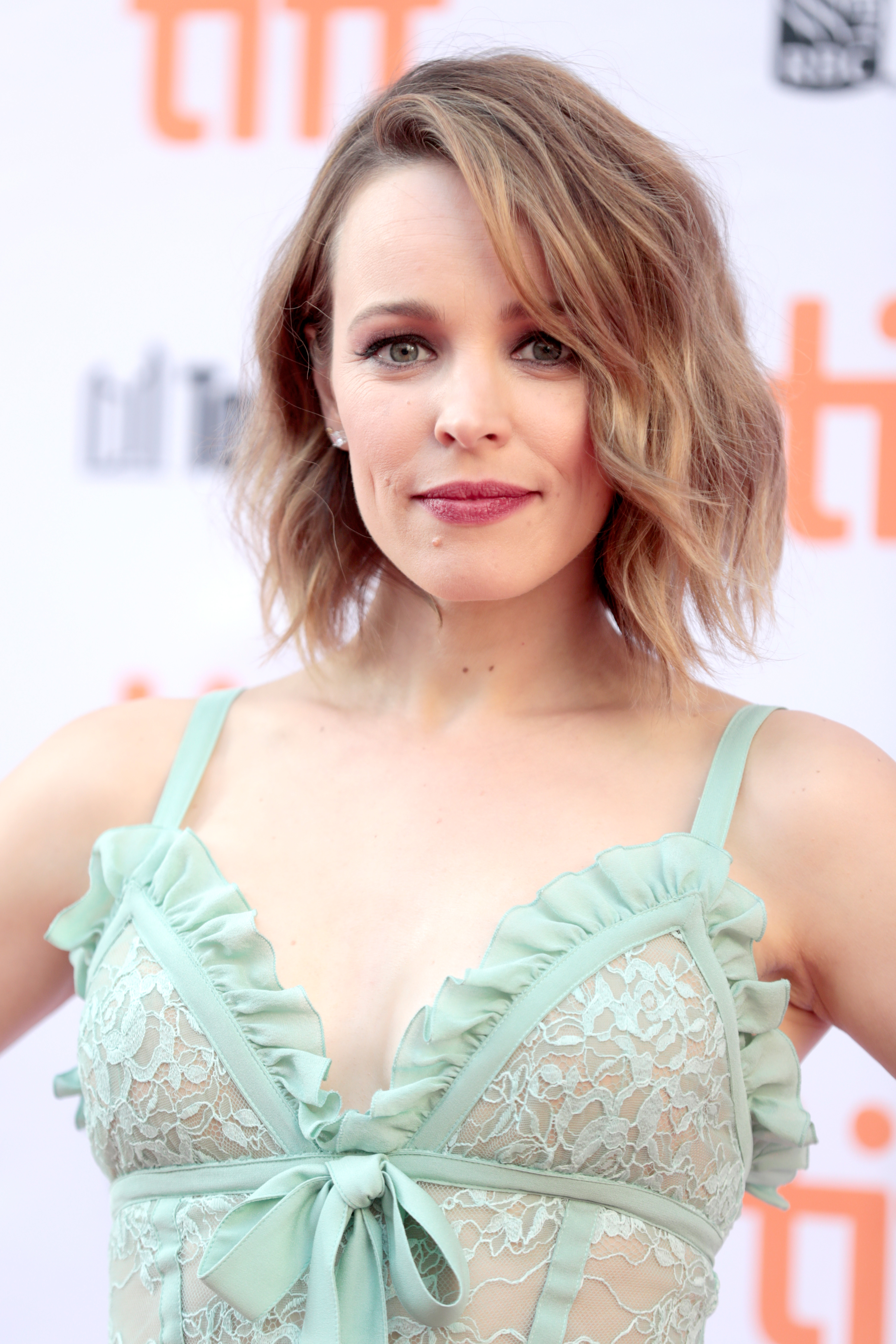 "TORONTO, ON - SEPTEMBER 10: Rachel McAdams attends the ""Disobedience"" premiere during the 2017 Toronto International Film Festival at Princess of Wales Theatre on September 10, 2017 in Toronto, Canada. (Photo by Brian de Rivera Simon/Getty Images)"
