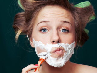 womanshaving