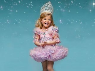 ToddlersAndTiaras_122903400-TLC_TODDLERSANDTIARAS._V392939158_RI_SX940_