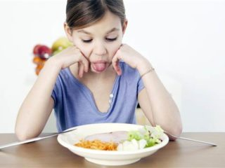 picky-eaters-psychological-problems-today-stock-health-tease-150731_ad0725890bae74d649cd0f3c9c0c8169.today-inline-large