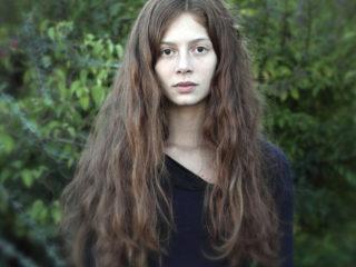 Jenna Thiam (Léna)