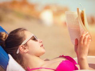 жена, книги, четене
