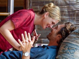 "Julia Roberts as ""Elizabeth Gilbert"" and Javier Bardem as ""Felipe"" in Columbia Pictures' EAT, PRAY, LOVE."