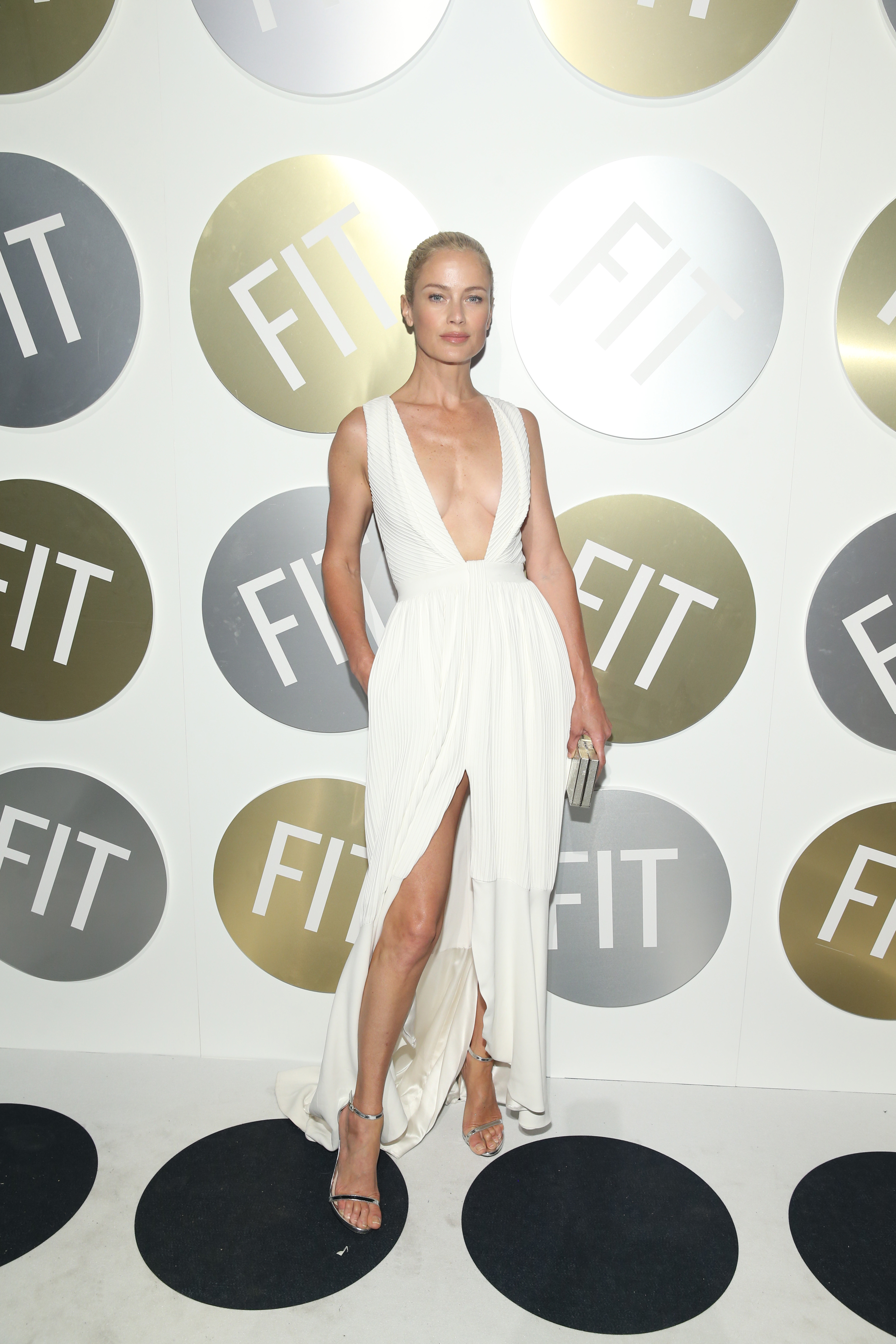 NEW YORK, NY - JUNE 14:  Presenter and model, Carolyn Murphy attends FIT's 2018 Annual Awards Gala at Cipriani 42nd Street on June 14, 2018 in New York City.  (Photo by Bennett Raglin/Getty Images for FIT)