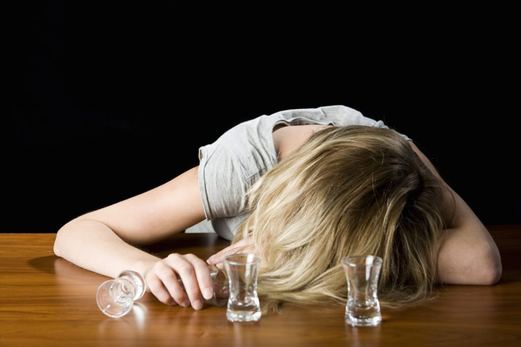 жена, алкохол