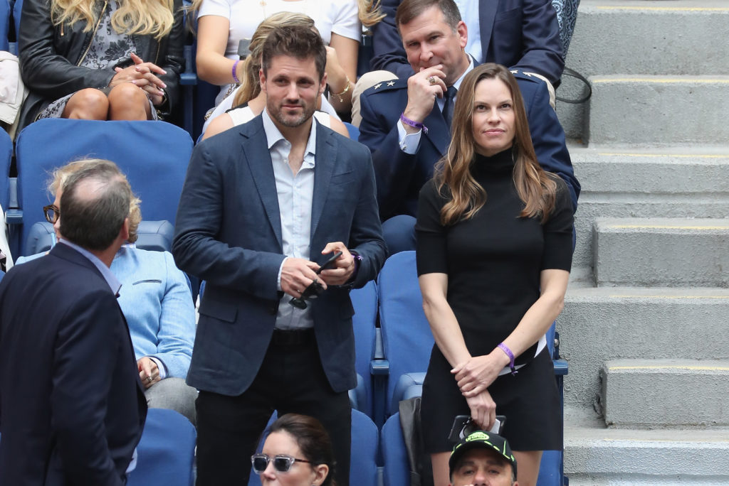 NEW YORK, NY - SEPTEMBER 10:  Hilary Swank watches the Men's Singles finals match between Kevin Anderson of South Africa and Rafael Nadal of Spain on Day Fourteen of the 2017 US Open at the USTA Billie Jean King National Tennis Center on September 10, 2017 in the Flushing neighborhood of the Queens borough of New York City.  (Photo by Michael Heiman/Getty Images)