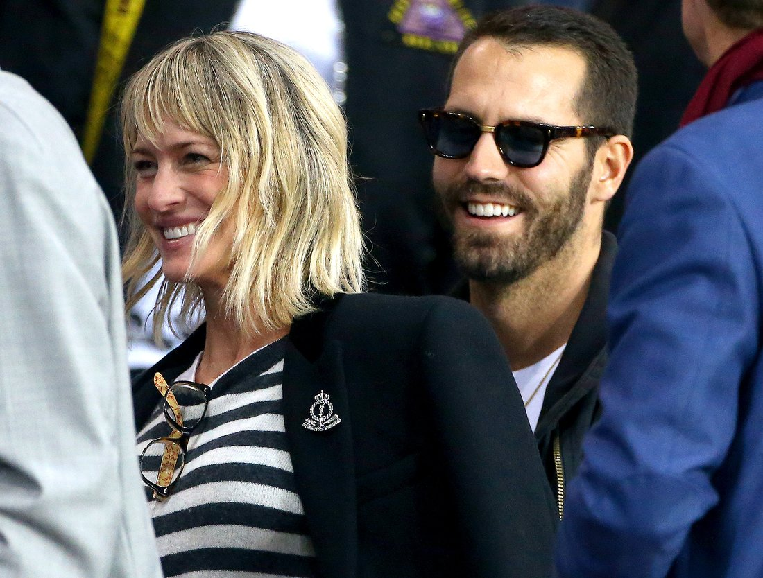 PARIS, FRANCE - SEPTEMBER 27: Robin Wright attends the UEFA Champions League group B match between Paris Saint-Germain (PSG) and Bayern Muenchen (Bayern Munich) at Parc des Princes on September 27, 2017 in Paris, France. (Photo by Jean Catuffe/Getty Images)