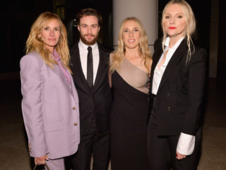 LOS ANGELES, CA - OCTOBER 22:  (L-R) Julia Roberts, Aaron Taylor-Johnson, Sam Taylor-Johnson, and InStyle Magazine Editor in Chief Laura Brown attend the 2018 InStyle Awards at The Getty Center on October 22, 2018 in Los Angeles, California.  (Photo by Matt Winkelmeyer/Getty Images for InStyle)