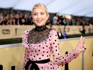 LOS ANGELES, CA - JANUARY 21:  Actress Kate Hudson attends the 24th Annual Screen Actors Guild Awards at The Shrine Auditorium on January 21, 2018 in Los Angeles, California. 27522_010  (Photo by Christopher Polk/Getty Images for Turner)