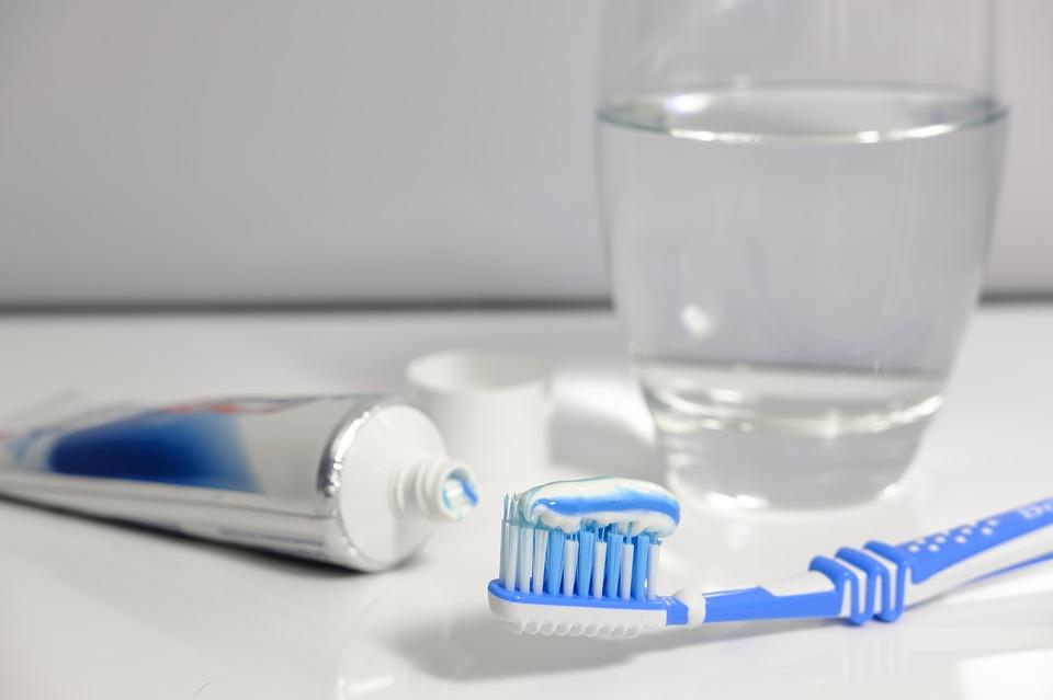 toothpaste-3067570_960_720