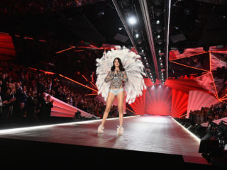 NEW YORK, NEW YORK - NOVEMBER 08: Adriana Lima walks the runway during the 2018 Victoria's Secret Fashion Show at Pier 94 on November 08, 2018 in New York City. (Photo by Noam Galai/Getty Images)