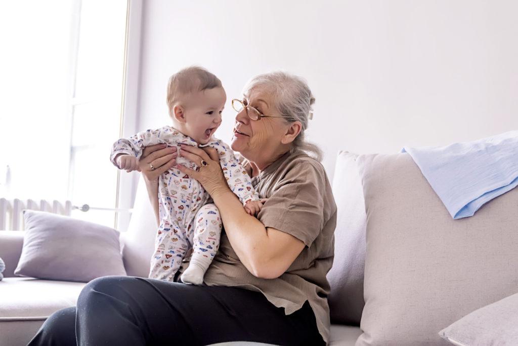 баба и внуче