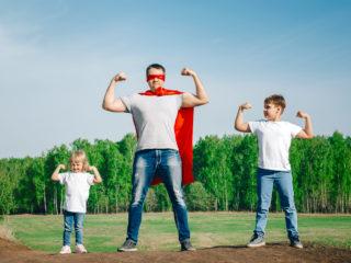 татко с деца