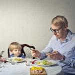 деца, родители, смартфон