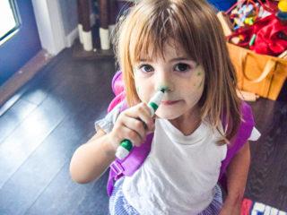 дете, момиченце, лице, маркер, рисуване
