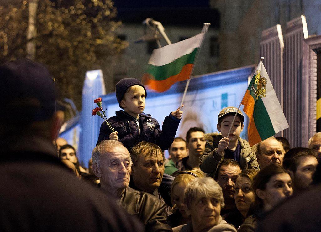 васил левски, деца, паметник, национализъм, образование, знамена