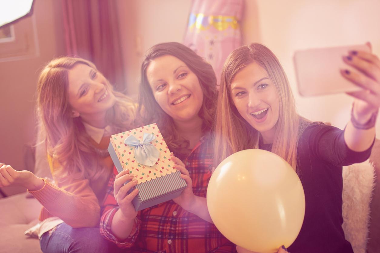 baby shower, бременна, празнуване, погача