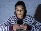 насилие, тийнейджър, насилник, онлайн тормоз, момиче, дете, смартфон, сексуална експлоатация онлайн