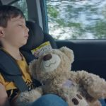 Дете в автомобил